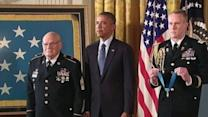 Obama Presents Vietnam Veterans With Medal of Honor