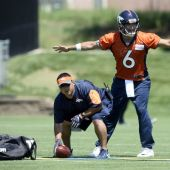 Broncos need to let Mark Sanchez start Saturday