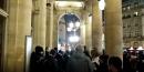 Des sans-papiers tentent d'entrer dans la Comédie-Française