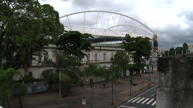 Brazil Olympics stadium shuts over roof problems