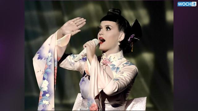 Katy Perry Gives The AMAs An Unconditionally Awesome Start