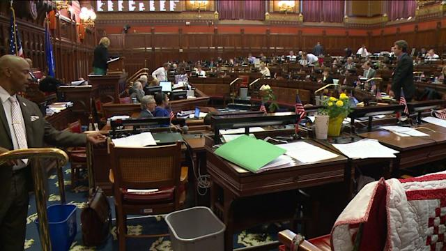 Connecticut Legislators Considering Changes To State`s Freedom Of Information Laws