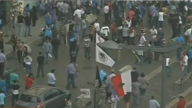 Lebanese protesters storm govt building
