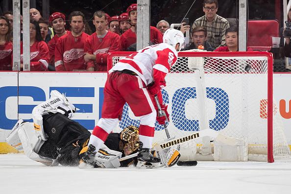 Boston Bruins blow leads in 6-5 shootout loss to Red Wings