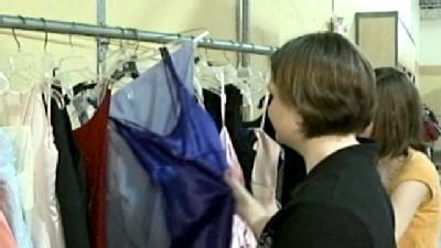 Lincoln Charity Sells Prom Dresses For Cheap